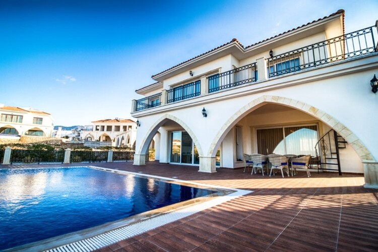 Magnificent two-story villa 3+1 with a private pool and a spacious terrace, in the Esentepe area