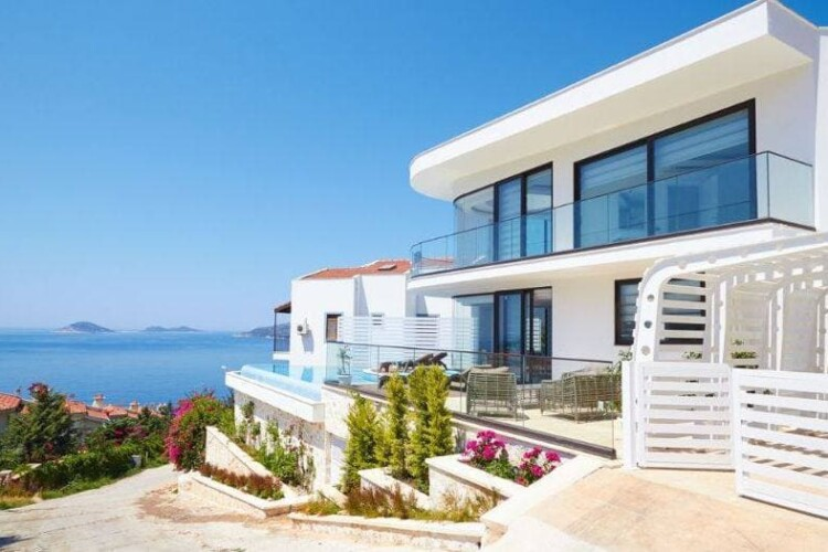 Top 5 Beachfront Property Purchases in 2021